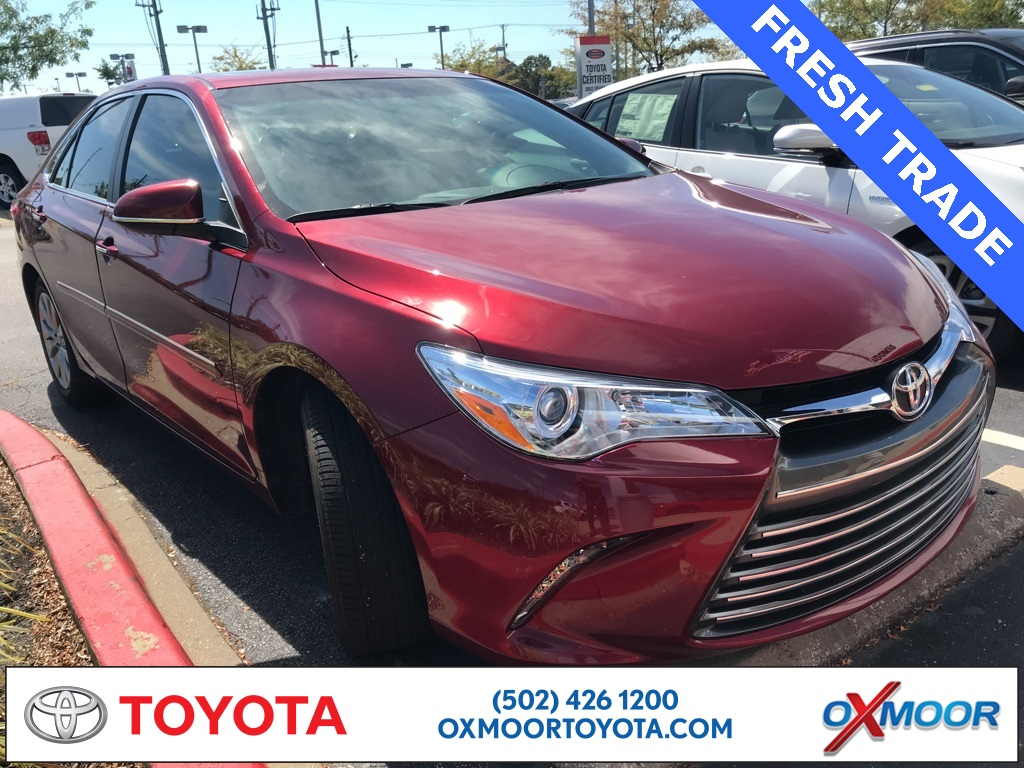 Oxmoor Toyota Service >> Pre Owned 2017 Toyota Camry Xle Fwd 4d Sedan